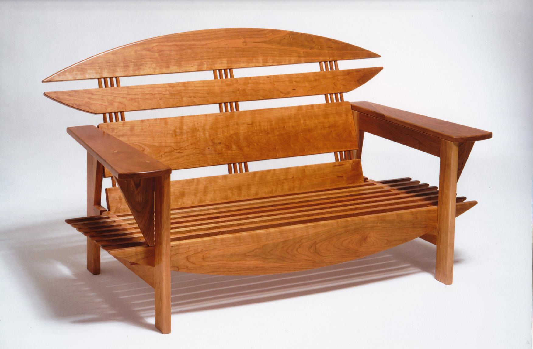 divano in massello di ciliegio_assemblaggio con viti di legno